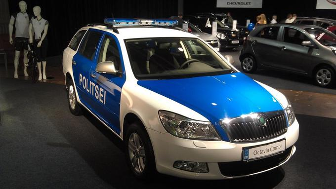 Estonian Police Car with Traffic Max 1 LED Lightbar.jpg